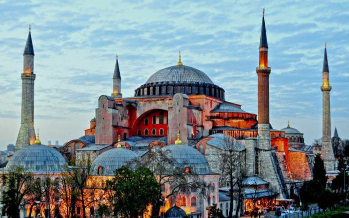 Ayasofya Camii Tekrar İbadete Açılıyor